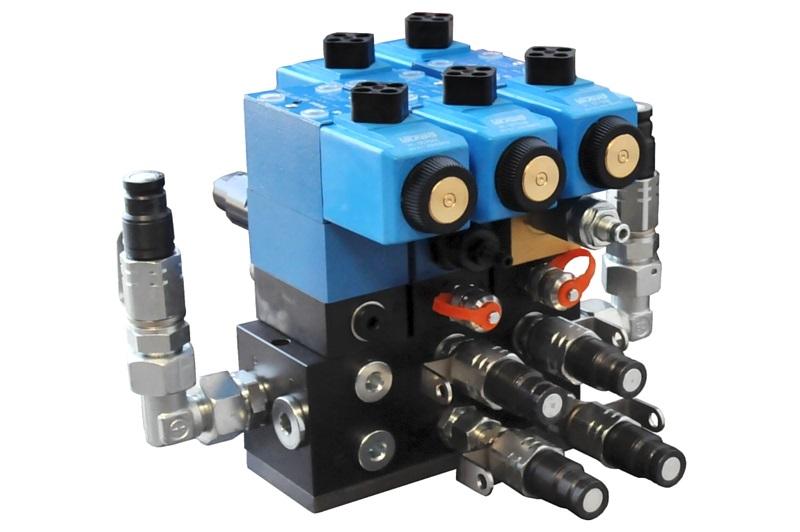 Plusieurs blocs de composants EATON
