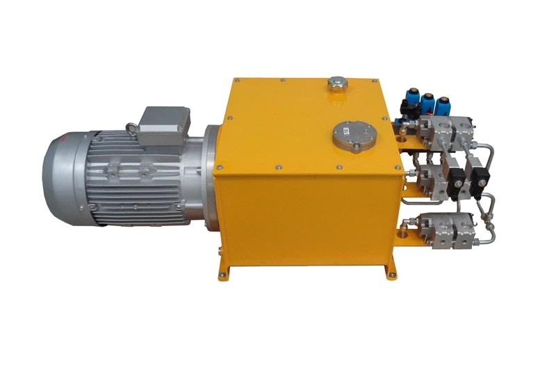 Centrale hydraulique pour une société de manutention de charges lourdes